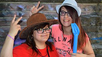 Beim All Inclusion Festival feiern Menschen mit und ohne Behinderung miteinander. Foto: STUGGITV