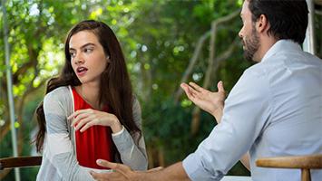 Wie groß darf der Altersunterschied in Beziehungen sein? Das haben wir im Rahmen der STUGGI.TV Sex-Woche gefragt (Foto: Clipdealer)