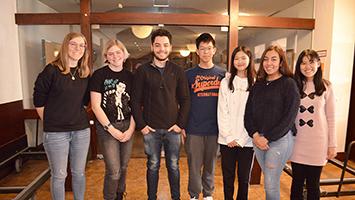 Sechs Schüler aus vier unterschiedlichen Ländern haben ihr Auslandsjahr jetzt in Stuttgart gestartet, bevor sie in Gastfamilien in ganz Deutschland verteilt werden. Wir haben im Rahmen eines Vorbereitungskurses einen Besuch abgestattet. (Foto: STUGGI.TV)