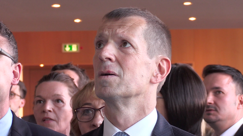 Der CDU, hier in Person von Alexander Kotz, ist das Entsetzen in die Gesichert geschrieben (Foto: STUGGI.TV)