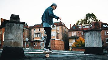 Mit den Bredder Boards kann man sein Gleichgewicht überall trainieren (Foto: Michael Colella)
