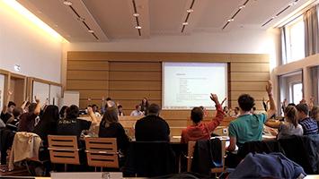 Sollte ein Deutscher Jugendrat in Berlin eingeführt werden? Semir Duman, Sprecher des Jugendrat Stuttgart, hat eine klare Meinung dazu. (Foto: STUGGI.TV)