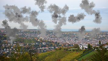 Zu viele Autos? Feinstaub-Alarm in Stuttgart (Foto & Grafik: STUGGI.TV/Goes)