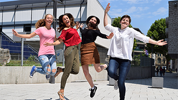 Sommerferien-Start: Die lustigsten Ferienjob-Geschichten (Foto: STUGGI.TV)