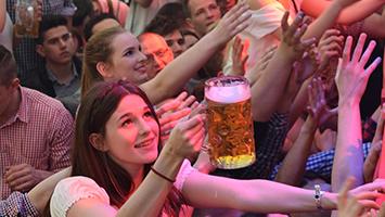 Stuttgarter Frühlingsfest 2016 Grandls Hofbräuzelt (Fotorechte: STUGGI.TV/Rau)