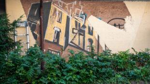 Noch ist das Graffiti am Ostendplatz nicht fertiggestellt.
