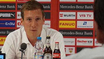 VfB-Trainer Hannes Wolf bei PK vor Spiel gegen Energie Cottbus. Foto: STUGGI.TV/Rau
