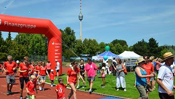 24-Stunden-Lauf für Kinderrechte auf der Waldau (Fotoquelle: Förderverein Kinderfreundliches Stuttgart e.V)