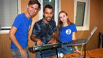 Der Jugendrat Stuttgart feiert im Jugendhaus Weilimdorf eine Sommerparty (Foto: STUGGI.TV)