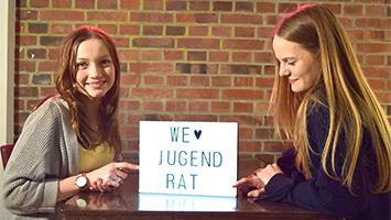 Anna Gronbach und Claire Meyer vom Jugendrat Stuttgart. (Foto: STUGGI.TV/Rau)