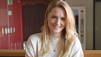 Die Influencerin Lisa-Marie Schwarz hat auf Instagram mehr als 10.000 Abonnenten (Foto: STUGGI.TV/Schönberger).