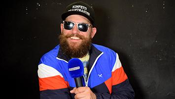 MC Fitti ist zurück. Wir haben den Rapper mit Sonnenbrille und Bart zum Interview getroffen. (Foto: STUGGI.TV)