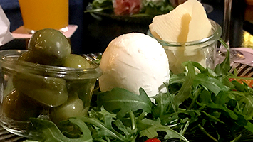 Die Mozzarella Bar im Food Check. Foto: STUGGI.TV/Goes