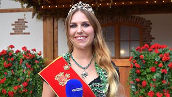 Wir haben die Württembergische Bierprinzessin Nina Krippentz auf dem Cannstatter Wasen zum Interview getroffen. (Foto: STUGGI.TV)