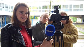 Die Schüler am Pfarrwiesen-Gymnasium in Sindelfingen zeigen, wie Integration in einer Vorbereitungsklasse funktioniert. (Foto: STUGGI.TV)