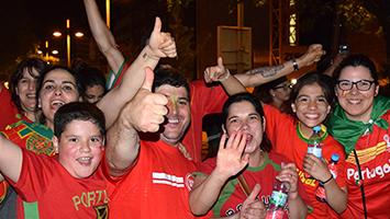 Portugiesische Fans feiern den EM-Sieg gegen Frankreich. (Foto: STUGGI.TV/Röhr)
