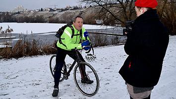 Von See zu See im Schnee: Tom Hörner auf Wintertour. Foto: STUGGI.TV/Gebl