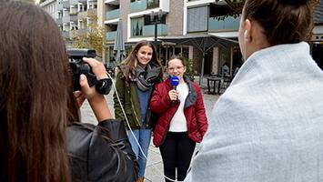 Die Schülerinnen vom Mädchengymnasium St. Agnes verraten die Tipps für die Mittagspause im Hospitalviertel in Stuttgart-Mitte. (Foto: STUGGI.TV)