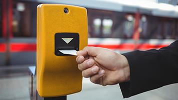 Sollte Schwarzfahren noch staerker bestraft werden? (Foto: Clipdealer)