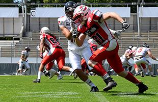 Die Stuttgarter Scorpions gewinnen im Gazi Stadion auf der Waldau. American Football. Foto: STUGGI.TV Goes