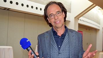 Kabarettist Christoph Sonntag im Interview bei STUGGI.TV Foto: STUGGI.TV/Goes