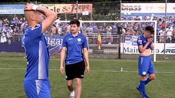 Große Enttäuschung bei den Blauen: Die Stuttgarter Kickers verpassen den Aufstieg in die Regionalliga und spielen auch in der kommenden Saison in der Oberliga (Exklusiv-Foto: STUGGI.TV)