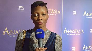 """GNTM-Star Toni zu Gast beim neuen Musical """"Anastasia"""" im SI-Centrum in Stuttgart (Foto: STUGGI.TV)"""