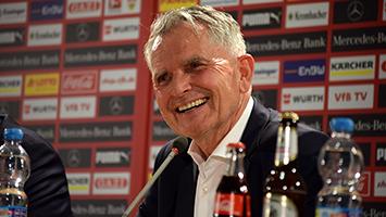 VfB-Präsident Wolfgang Dietrich freut sich über die Entscheidung der VfB-Mitglieder (Foto: STUGGI.TV/Rau)