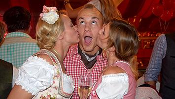 Frank Stäbler lässt sich feiern auf der Wasenpirsch. Foto: Goes/STUGGI.TV