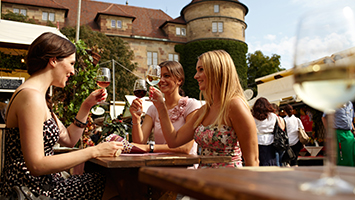 Heute ist das Stuttgarter Weindorf gestartet (Foto: Stuttgart-Marketing GmbH)