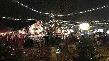 Fünf ganz besondere Weihnachtsmärkte im Check, dabei ist auch das WinterdörfLE in Leinfelden-Echterdingen im Schwabengarten (Foto: STUGGI.TV)