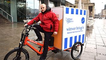 Wittwer setzt auf einen Lieferservice per Fahrrad. Foto: STUGGI.TV/Kheredmand