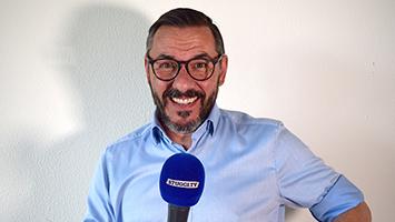"""Witze-Papst Oliver Gimber auch bekannt als """"Witz vom Olli"""" zu Gast bei STUGGI.TV Trifft (Foto: STUGGI.TV)"""